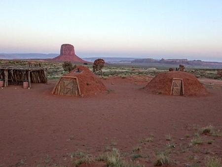 170704-03ナバホ族の住居