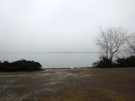 180303-11霞む太湖