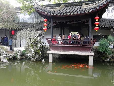 180303-52池と建物
