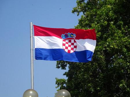 180704-03クロアチア国旗