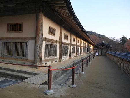 181114-47大蔵経板殿