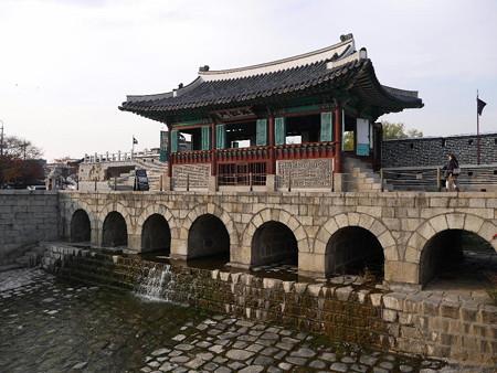 181115-29華虹門