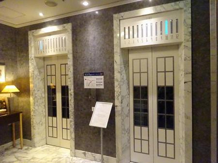 190310-01エレベーター