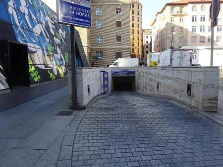 190912-14地下駐車場