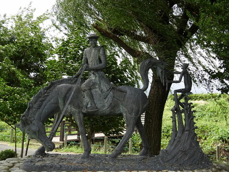 191004-20中村新六像