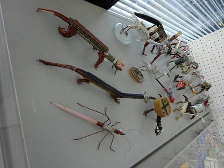 201218-09廃材の虫たち