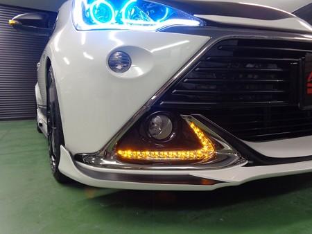 トヨタAQUA G's デイライト 2色LED加工オレンジ