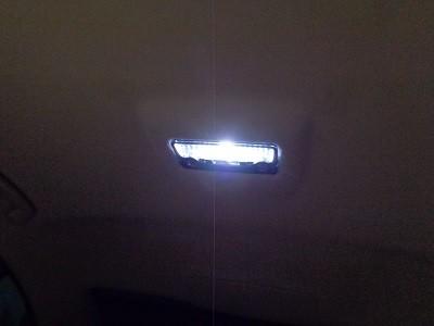 BMW7シリーズ LED取付