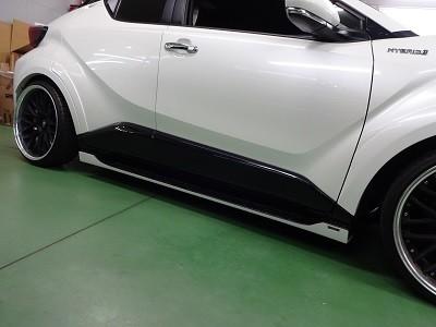 C-HR 愛知県 ドアパネルピアノブラック塗装