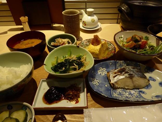 京の朝釜炊きごはんにおばんざい