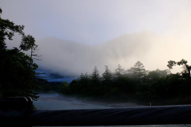 5時36分さらに霧に
