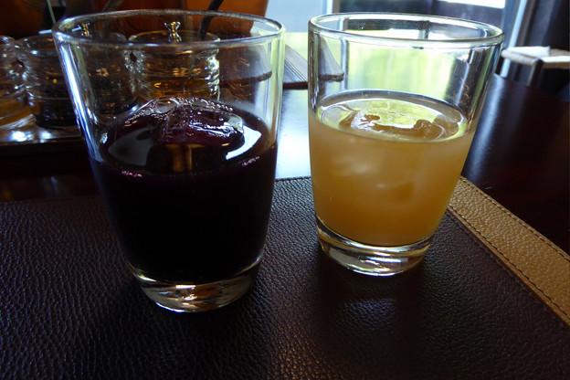 3赤ブドウジュースと白桃ジュース