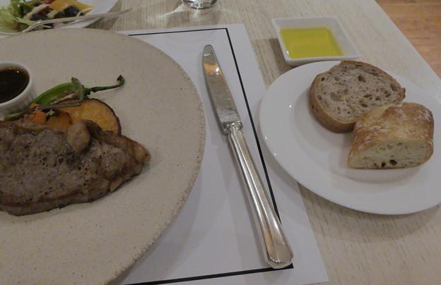4ヒマワリの種入りパン