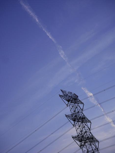 ツイスト飛行機雲