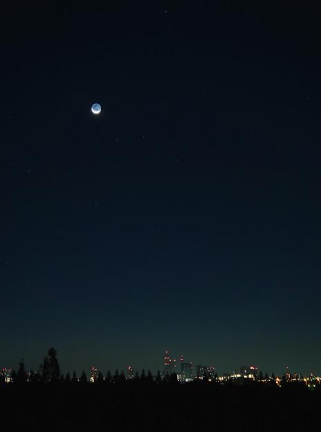 月齢27。夜明け前に昇るお月様。