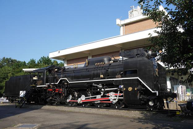 D51 452