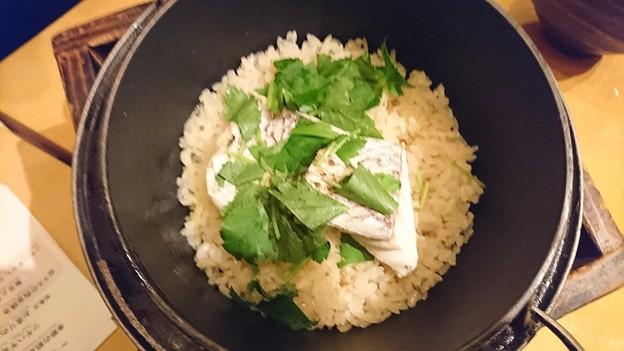 真鯛の鉄釜飯