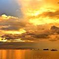 写真: マニラ湾の夕日
