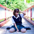 Photos: 橋の上の少女