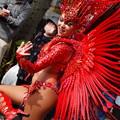 写真: サンバ姫の舞