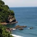 Photos: 崖下の岩場