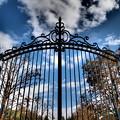 Photos: 秋の青空と鋼の扉