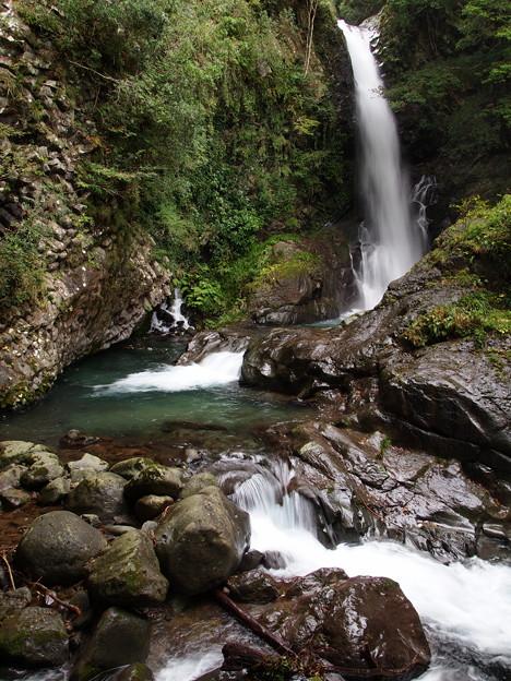 流れ落ちる釜滝