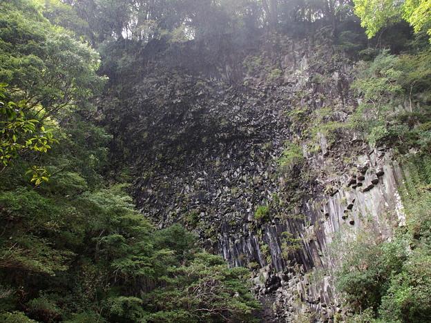 釜滝の岩壁