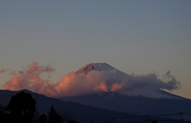 夕陽に染まる年の瀬の富士の山 2018