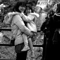 Photos: 梅花を背景にニホンをパシャ~