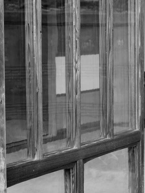 大正硝子の窓辺