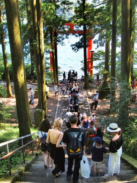 箱根神社は異国の地?