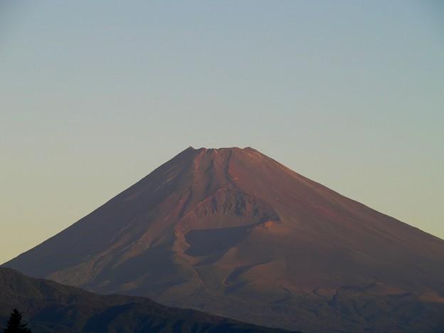秋空な朝の御山