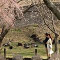 Photos: 三人で感じる春の風