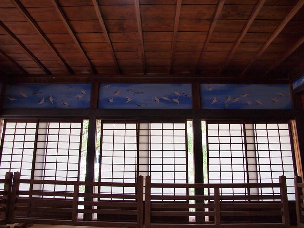 障子窓と千羽鶴