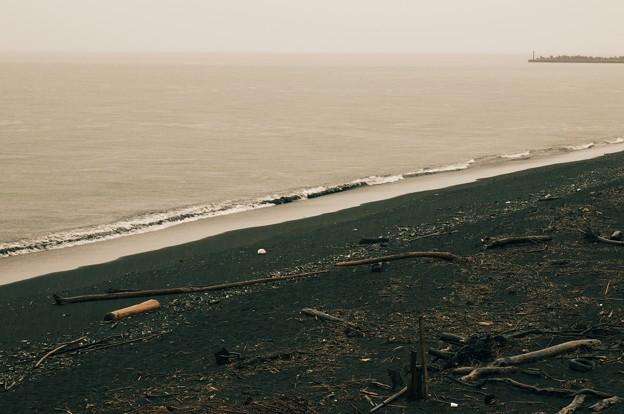 Photos: 寄せる波、来る台風…