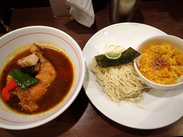 骨付きチキンのスープカレーつけ麺feat.ターメリックライス@八咫烏・千代田区九段下