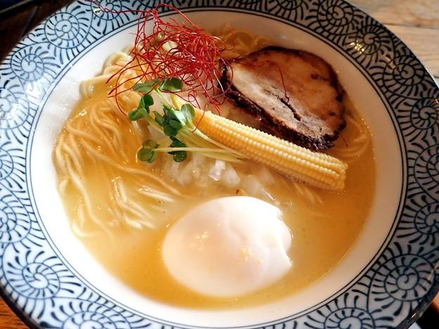 らーめん+塩味玉@麺Dining比内地鶏白湯らーめん 志道・江東区東雲