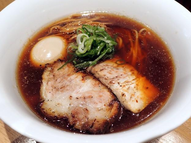 醤油らぁ麺+味玉@嶋・渋谷区西新宿五丁目