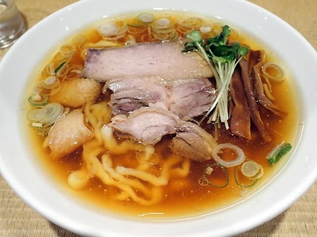 親鶏中華そば・中太麺@綾川・渋谷区恵比寿