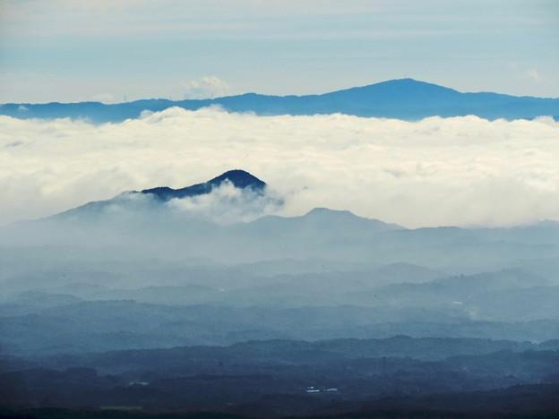 那須高原・八幡崎より八溝山系を望む