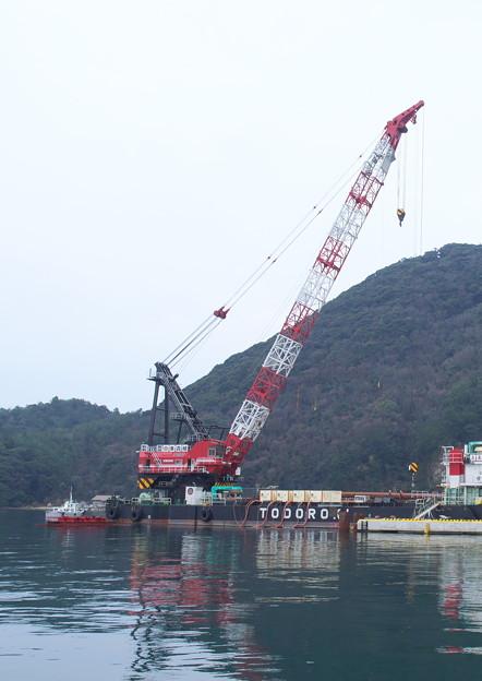 Photos: R2.2.14 クレーン船(2)