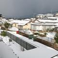 Photos: 自宅二階から、初雪の朝・西方面(2)