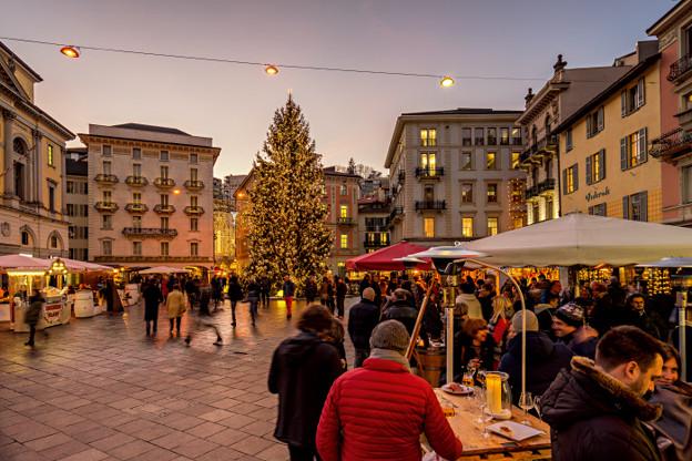christmas-in-switzerland-market