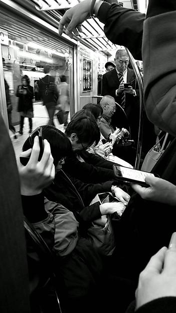 今夜の御堂筋線阪急日生エクスプレス、定期券売場経由~そのいち。6