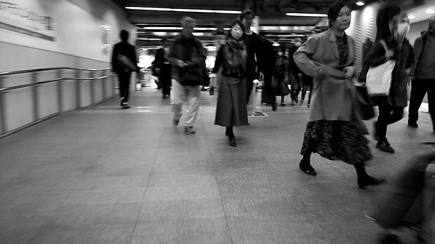 今夜の御堂筋線阪急日生エクスプレス、定期券売場経由~そのいち。7