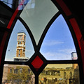 写真: 聖域の窓