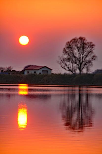 メルヘンの大地に陽が落ちる