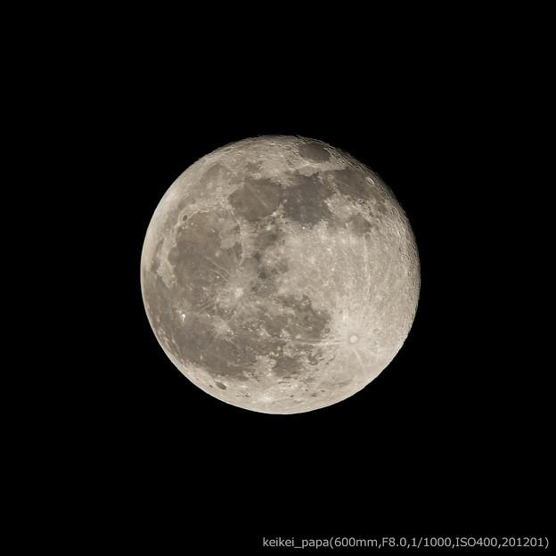 月齢(15.9):20201201220347-600,400