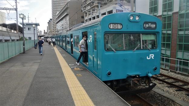 兵庫県にある和田岬線の103系